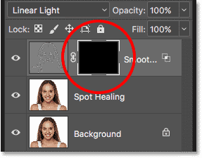 A black-filled layer mask has been added to the Smooth Skin layer