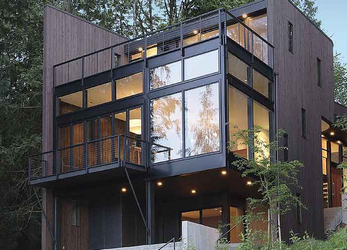 شیشه در ساختمان